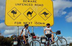 Mit dem Fahrrad kommt man überall hin, auch nach Adelaide (Australien) wie Philipp und Valeska Schaudy: Was man für eine Urlaubsreise auf zwei Rädern braucht Baseball Cards, Lifestyle, Holiday Travel, Australia, Bicycle, Tips