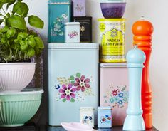 """Aufbewahrungsdosen und Boxen - die schönsten Modelle für die Küche : Metalldosen """"Nostalgia"""" von Rice - [LIVING AT HOME]"""