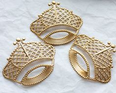 Hey, I found this really awesome Etsy listing at https://www.etsy.com/listing/94733220/6-vintage-brass-royal-crowns