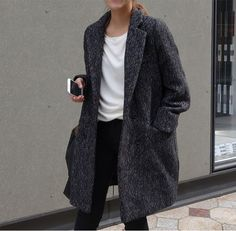 Death by Elocution not my choice of words I just like the way this knee length coat looks causal smart Street Style Outfits, Looks Street Style, Mode Outfits, Looks Style, Style Me, Fashion Mode, Look Fashion, Womens Fashion, Milan Fashion