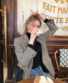 The 8 Style Mistakes Parisian Women Never Make Mode Outfits, Winter Outfits, Casual Outfits, Fashion Outfits, Fashion Trends, Spring Outfits, Looks Style, My Style, Style Parisienne