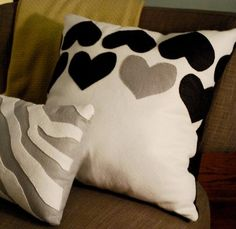 I need throw pillows for sophis room