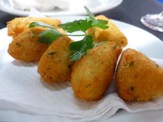 Codfish fritters or Pasteis de Bacalhau are a symbol of the traditional Portuguese gastronomy that everyone loves. Codfish fritters, or Pa(. No Salt Recipes, Easy Cake Recipes, Codfish Fritters Recipe, Cod Cakes, Tapas, Shellfish Recipes, Cod Fish, Portuguese Recipes, Portuguese Food