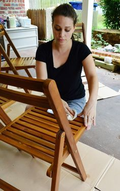 Protecting Outdoor Furniture With Varnish And Teak Oil (so outdoor furniture looks good for years)