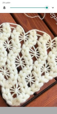 a combination of chain stitches and puff stitches?This post was discovered by AyImage only crochet starburst and puffed v stitch pattern Crochet Art, Thread Crochet, Crochet Motif, Crochet Shawl, Crochet Doilies, Crochet Stitches, Free Crochet, Puff Stitch Crochet, Stitch Patterns