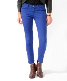 RED jeans, not blue lol...If you click on the picture they're the jeans in color 'Wine' from Forever21   Size 28 or 6 depending on the store