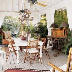 Cozy Key West style outdoors