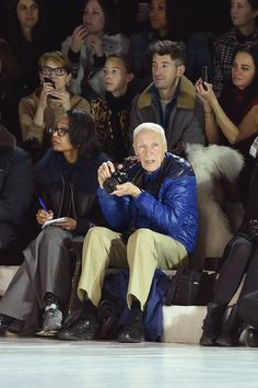 Pin for Later: Seht alle Highlights der Marc Jacobs Modenschau  Bill Cunningham.