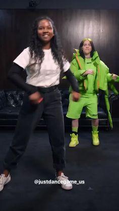 Billie Eilish surprising his fans Ааааааа,я тоже так хочу😢😍 Billie Eilish, Hiro Big Hero 6, Bubbline, Foto Art, Funny Video Memes, Celebs, Celebrities, My King, Foto E Video