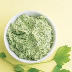 The taste of soft goat cheese is more present in this California version of pesto than Parmigiano-Reggiano is in a basil pesto. Consider it a multidimensional recipe: dip, sauce and spread. Healthy Pesto, Healthy Snacks, Healthy Eating, Healthy Recipes, Healthy Cooking, Goat Cheese Recipes, Dog Food Recipes, Dinner Recipes, Pesto Recipe