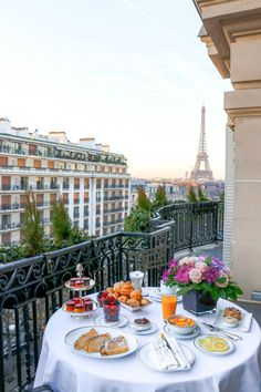 Hotels, Breakfast In Bed, Breakfast In Paris, Romantic Breakfast, Beautiful Places To Travel, Travel Aesthetic, Paris Travel, Dream Vacations, Travel Inspiration