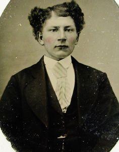 ANTIQUE TINTYPE PHOTO PORTRAIT HANDSOME DAPPER YOUNG MAN WITH A STRANGE HAIRDO | eBay