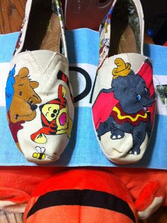 Hand Painted Disney Toms - Winnie the Pooh and Dumbo. Painted Canvas Shoes, Painted Toms, Hand Painted Shoes, Cheap Toms Shoes, Toms Shoes Outlet, Shoe Outlet, Cute Shoes, Me Too Shoes, Tom Shoes