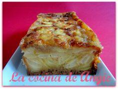 tarta pura de manzana Pear Recipes, Best Cake Recipes, Sweet Recipes, Real Food Recipes, Spanish Desserts, Fun Desserts, Delicious Desserts, Basque Food, Apple Pie Cake