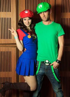 Check Out 17 Cute Halloween Costume Ideas. Halloween is just a few days away and we all are searching for Halloween costume ideas. Costume Halloween, Costume Ange, Costume Garçon, Last Minute Halloween Costumes, Halloween Outfits, Costume Ideas, Halloween Couples, Girl Halloween, Halloween Ideas