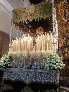 Seville-Semaine_Sainte-Semana_Santa-Spain-pasos