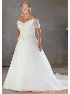 Robe de mariée grande taille avec manches hors dépaule