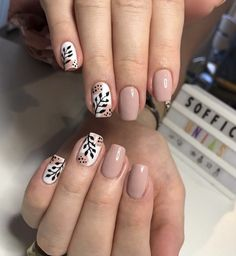 Gelish Nails, Diy Nails, Queen Nails, Soft Nails, College Nails, Oval Nails, Minimalist Nails, Dream Nails, Cute Acrylic Nails
