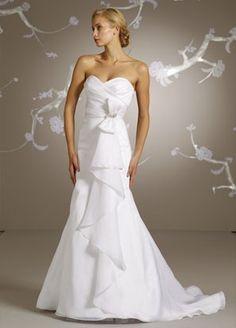 Alvina Valenta AV9107 Alvina Valenta Wedding Gowns #wedding_dress #strapless_wedding_dress #white_wedding_dress