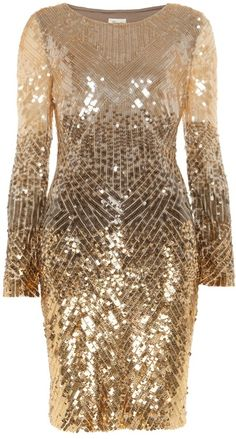 Gold Leaf Dress, just beautiful...I'm thinking I would love this for my 30th Birthday....still got some years till then....but love it!