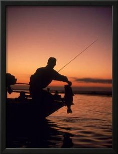 Silhouette of Bass Fisher at Sunset Photographic Print Bass Fishing Tips, Sea Fishing, Gone Fishing, Fishing Boats, Bass Fishing Pictures, Fishing Photos, Fishing Basics, Fishing Tricks, Saltwater Fishing