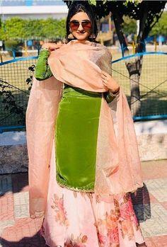 Bridal Suits Punjabi, Punjabi Suits Party Wear, Punjabi Salwar Suits, Patiala Salwar, Punjabi Suits Designer Boutique, Boutique Suits, Indian Designer Suits, Latest Punjabi Suits Design, Punjabi Dress Design