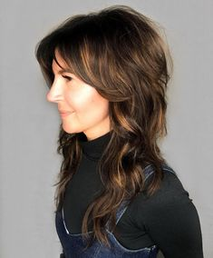 Wanting to have an all-out hair makeover? Then consider this dark brunette medium shag hair with brown highlights made by hairstylist Rachel Williams (@rachelwstylist). Click the link to get inspired with our list of medium shag haircuts. #mediumshaghaircuts #shaggyhairstyle #darkbrunettehair Medium Shag Hairstyles, Haircuts For Medium Length Hair, Latest Hairstyles, Long Shag Haircut, Shaggy Hair, Dark Brunette Hair, Rachel Williams, Brown Highlights, Hair Skin Nails