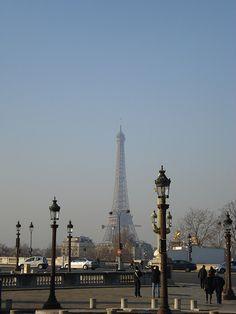 europe 413 A Day In Paris, Moving To Paris, Torre Eiffel Paris, Tour Eiffel, City Aesthetic, Travel Aesthetic, Places To Travel, Places To Go, Dream City