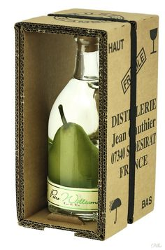 Nice box idea, really simple and you see the product inside.     Carafe millénium poire prisonnière