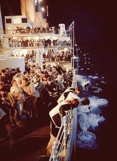 Titanic best movie and favorite actor ever with Leonardo DiCaprio Rms Titanic, Titanic Rose, Titanic Sinking, Titanic History, Titanic Photos, Belfast, Billy Zane, Jack Dawson, James Cameron