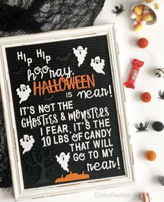 Fun Halloween themed letterboard 🎃 Trick-or-Treat Halloween Displays, Halloween Themes, Halloween Fun, Halloween Quotes, Trick Or Treat, Letter Board, Chalkboard Quotes, Treats, Candy