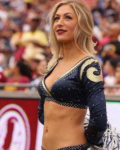 that look is it. Hottest Nfl Cheerleaders, Football Cheerleaders, Football Girls, Sport Football, Hockey Girls, Cheerleader Costume, Cheerleader Dance, Professional Cheerleaders, Cheerleading Pictures