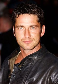 Gerard Butler: the phantom of the opera genius<3 hott guy thats for sure