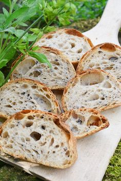 Italský kořen s černými olivami Bread Recipes, Snack Recipes, Healthy Recipes, Snacks, Tasty, Yummy Food, Ciabatta, Sourdough Bread, Bread Rolls