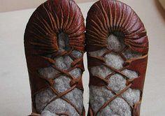 DIY Leather Footwear : Viking Shoes