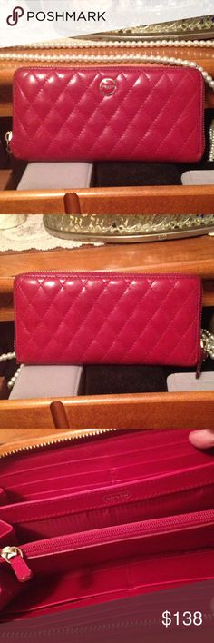 "😍 Coach Quilted Leather Wallet Large Size👛💄💋 😍 Coach Quilted Leather Wallet Red burgundy Large Full Size👛💄💋 There is no tears or holes and gold zipper in working great, but it does have some scratches and I used leather conditioner and the piping kind of turn darker in some places. Vert Soft and has a lot of life left in it. Size 8"" long and 5"" high. Has the name outside and inside the wallet Authentic. Comes from a non-smoking home. I ship within 24 hours Monday Wednesday and…"