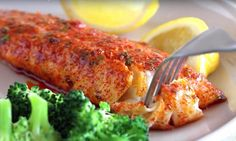 Filet de TILAPIA en croûte de PARMESAN pour le souper de ce soir... Vite fait, bien fait! Filets, Dips, Chicken, Recipes, Food, Parmesan Crusted Tilapia, Tilapia Fish Recipes, Fish Finger, Seafood