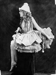 Mary Pickford.