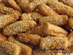 Αλμυρά κουλουράκια Greek Sweets, Greek Desserts, Greek Recipes, Food Network Recipes, Food Processor Recipes, Cookie Dough Pie, Biscuit Cookies, Greek Pastries, The Kitchen Food Network