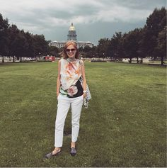 Mix and match your clothing style tips: Wearing white pants and a floral top   40plusstyle.com
