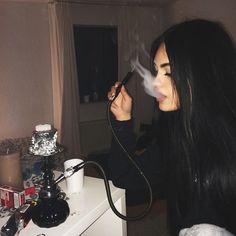 girl, smoke, and hair Bild
