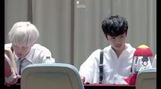 [160604] Apgujeong, Seoul Metro Fansign Hyungwon playing 😂😂 © cat walk #monstax #wonho #shownu #hyungwon #imchangkyun #minhyuk #jooheon #kihyun #monbebe #im #changkyun #monstaxhk #monstaxim #monstagram #starship #kpop #bts #vixx #got7 #seventeen #twice 몬스타엑스 #MONSTA_X #걸어 #ALL_IN