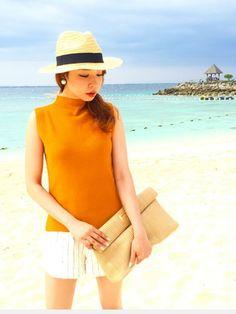 オレンジで元気に♪ <ボトルネックベスト春夏ファッション>