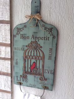 Tábua porta toalha decorativa | Ateliê da Bel.Nit | Elo7 Decoupage Vintage, Decoupage Art, Wood Crafts, Diy And Crafts, Arts And Crafts, Foto Transfer, Little Presents, Country Paintings, Wall Signs