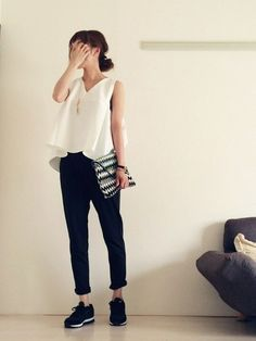 Harem Pants, Normcore, Spring Summer, Sweatpants, My Style, Lady, Sneakers, Womens Fashion, How To Wear