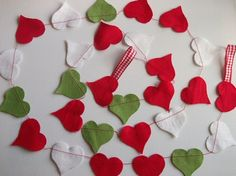 Christmas felt crafts | Felt Heart Christmas Garland | Christmas Crafts