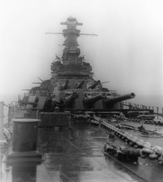 The superstructure of USS Alabama while underway in the Atlantic Ocean 4 March Uss Alabama, Uss Texas, Coast Guard Ships, Capital Ship, Cabin Cruiser, History Online, Army Vehicles, Big Guns, Army & Navy