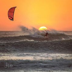 Beautiful sunset no more words needed. by @jeffckraemer Rider @ianalldredge #Kites