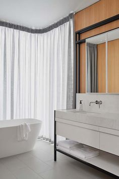 Williamstown Residence by Fiona Lynch; Photography by Dan Hocking