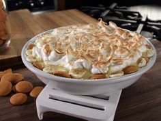 Bobby's Light Banana Pudding Recipe : Bobby Deen : Food Network - FoodNetwork.com --making this for Easter.